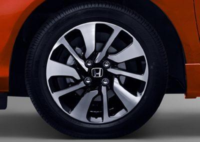 15 inci Stylish Alloy Wheels