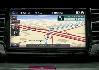 Built-in GPS Navigation