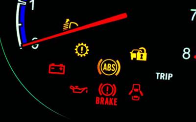 Jangan Panik Jika Lampu Indikator Mobil Menyala